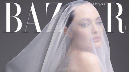 La actriz hizo declaraciones en contra de Pitt dentro de la entrevista (Foto: Harpers Bazaar)