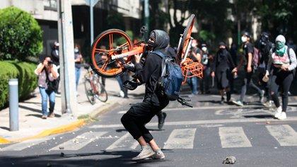 La jefa de gobierno de la capital, Claudia Sheinbaum, se pronunció respecto a las agresiones de policías a una menor de edad durante las protestas. (Foto: EFE)
