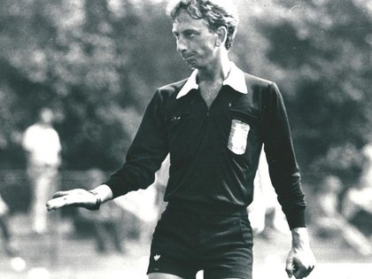 John Blankenstein fue el primer árbitro de fútbol abiertamente gay (Facebook John Blankenstein Foundation)