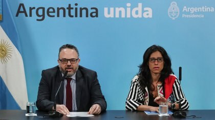 El ministro de Producción, Matías Kulfas; y la secretaria de Comercio Interior, Paula Español. (Prensa Presidencia)