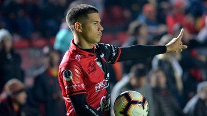 Alex Vigo, el apuntado para reemplazar a Gonzalo Montiel (Colón oficial)