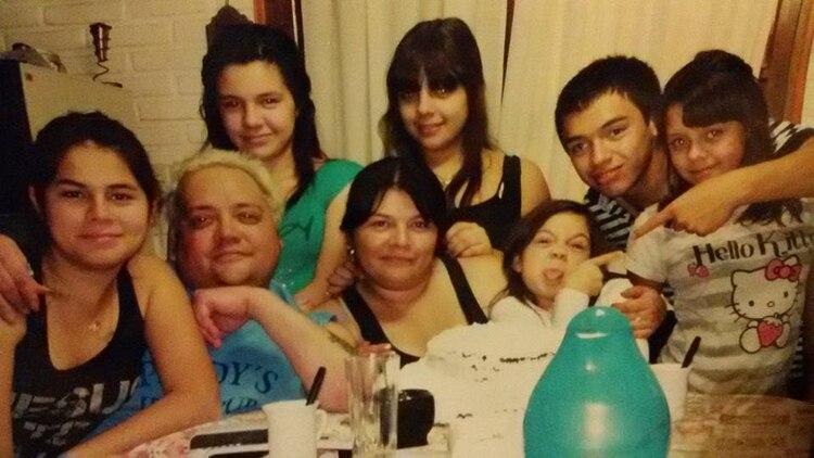 Inseparables: Leo, Marina y sus seis hijos