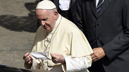 Papa Francisco con máscara