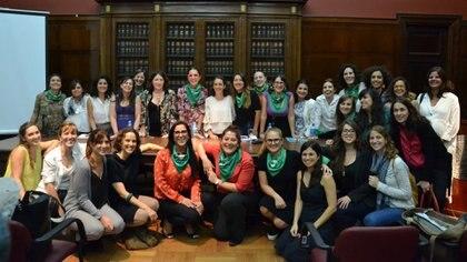 La Red de Profesoras de la Facultad de Derecho de la Universidad de Buenos Aires lanzó la campaña #NoSinEllas