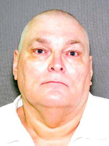 Donald Andrew Bess Jr, lo conocen como La Bestia. Estaba en libertad condicional por un secuestro y una violación cuando asesinó y violó a Ángela