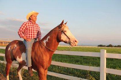 Roberto Sandoval y su gusto por los caballos pura raza española ( Foto: Especial)