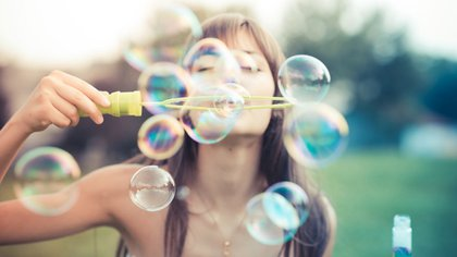 """""""La gente agradecida es menos propensa a experimentar envidia, enfado, resentimiento y arrepentimiento"""" (Shutterstock)"""