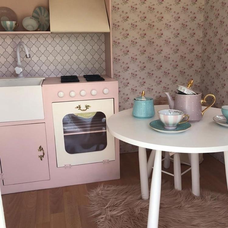 La mini cocina está completamente amueblada (Crédito: @salazarluli)