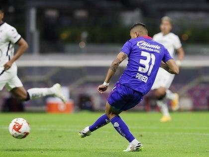 Orbelín Pineda marca el primer gol del partido (Foto: REUTERS / Henry Romero)
