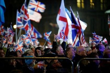 Británicos celebran el Brexit (REUTERS/Henry Nicholls)