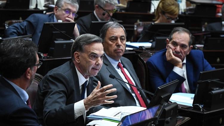 Miguel Pichetto y Rodolfo Urtubey en el Senado