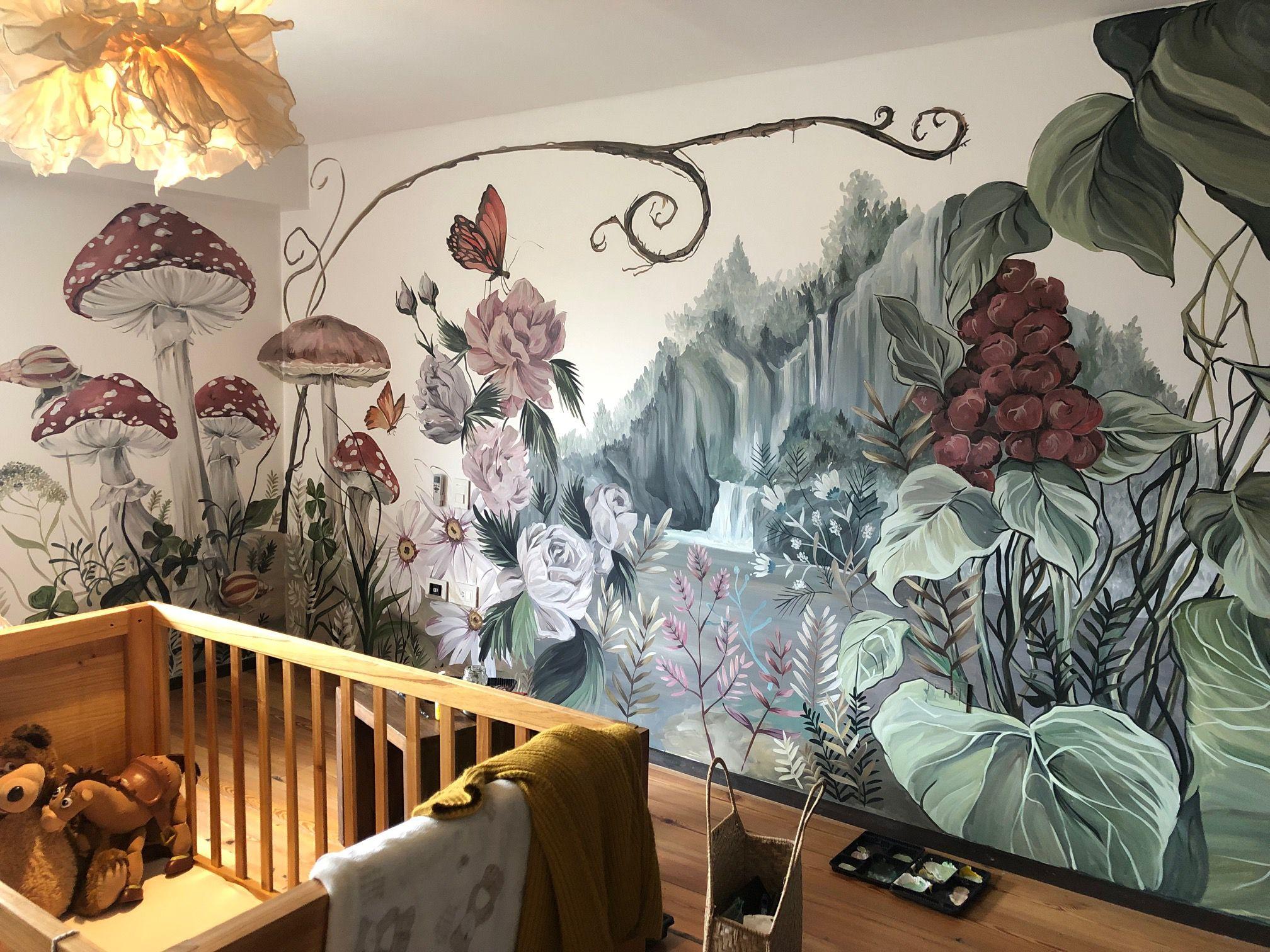 """Los murales de Florencia Chedufau son como """"ventanas"""" a paisajes y otros mundos. Además de la naturaleza, muchas veces plasma en sus trabajos temas o imágenes favoritas de sus clientes"""