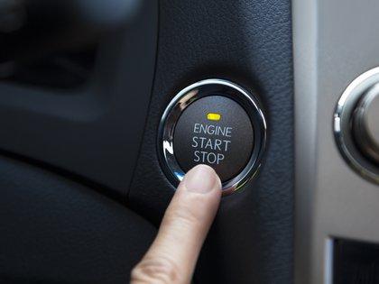 El botón de encendido eléctrico solo se puede activar cuando el sistema reconoce que la llave física se encuentra a corta distancia (Getty Images)