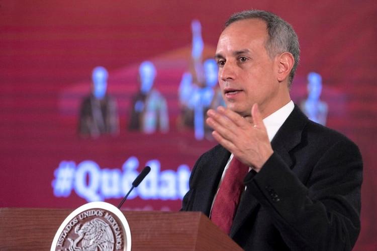 El subsecretario de Salud Hugo López Gatell durante la conferencia de prensa matutina del 7 de abril de 2020 (Foto: Cortesía Presidencia)