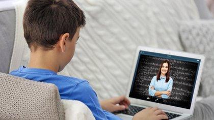 La clases para este ciclo escolar desde educación hasta nivel superior se retomaron a distancia (Foto: Shutterstock)