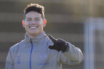 James Rodríguez regresó a la convocatoria del Everton para el partido contra el Manchester United.