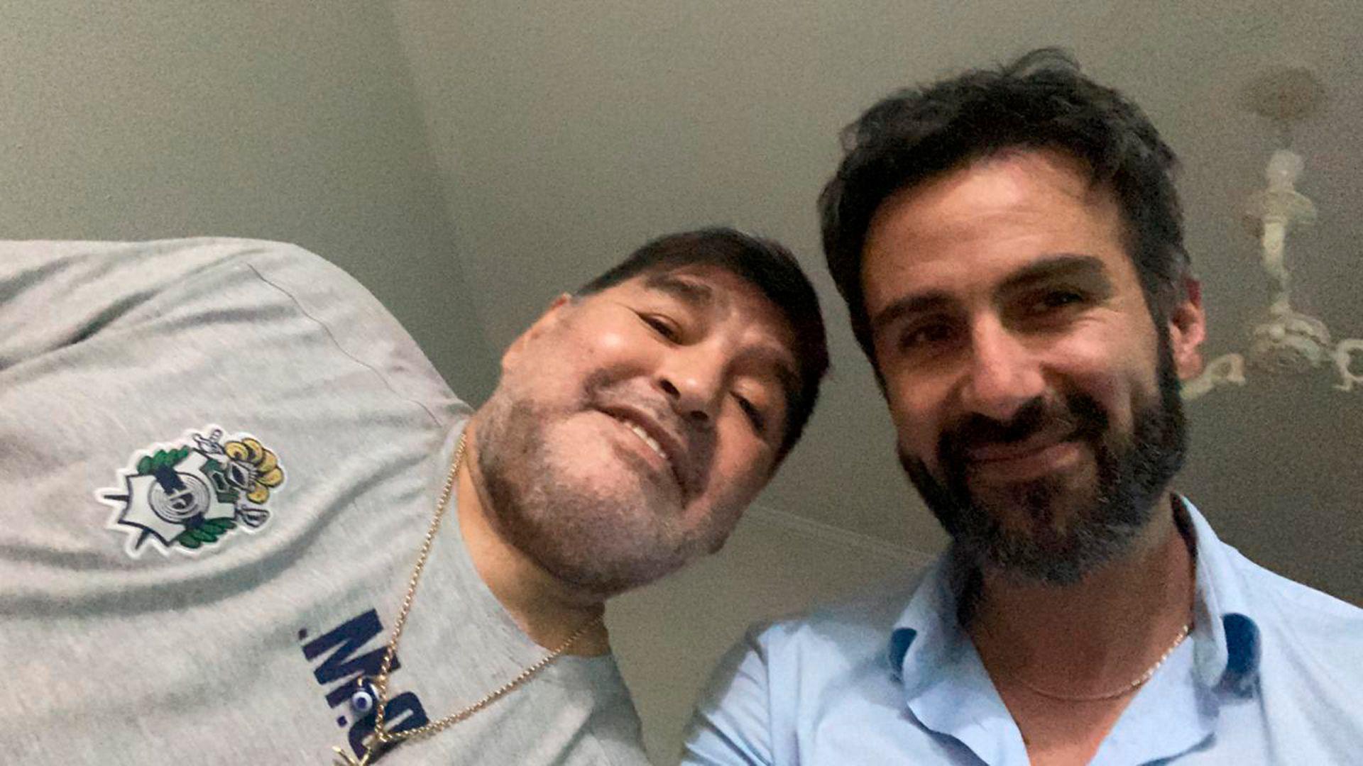 Diego Maradona con Leopoldo Luque, su médico personal