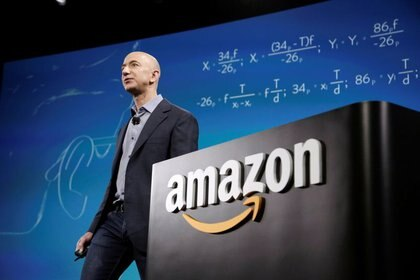 El CEO de Amazon, Jeff Bezos, participa en una conferencia de prensa en Seattle, Washington, EEUU. 18 de junio de 2014 (REUTERS/Jason Redmond)