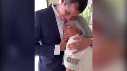 Juan Guaido se reencuentra con su mamá