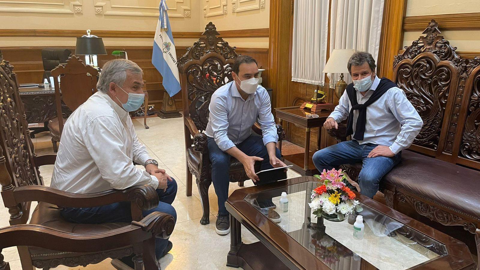 Gerardo Morales junto a Gustavo Valdés y Facundo Manes