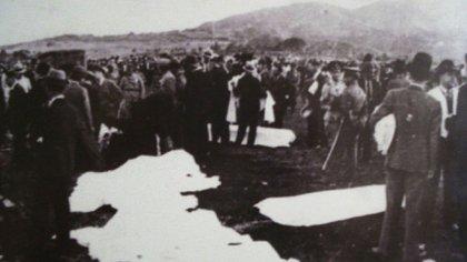 Segundos después del accidente aéreo en el que murió Carlos Gardel.