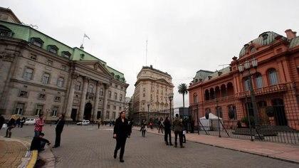El cielo estará mayormente nublado con poco sol durante los próximos días sobre la ciudad de Buenos Aires. (REUTERS / Marcos Brindicci)