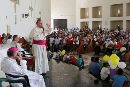 La visita fue de consuelo para los habitantes de Aguililla y zonas aledañas (Foto: REUTERS/Alan Ortega)