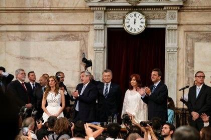 Todo el arco político envío saludos de fin de año por las redes sociales (REUTERS/Agustin Marcarian)