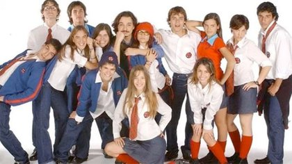El elenco completo de la tira, que era protagonizada por Camila Bordonaba, Luisana Lopilato, Benjamín Rojas y Felipe Colombo, entre otros
