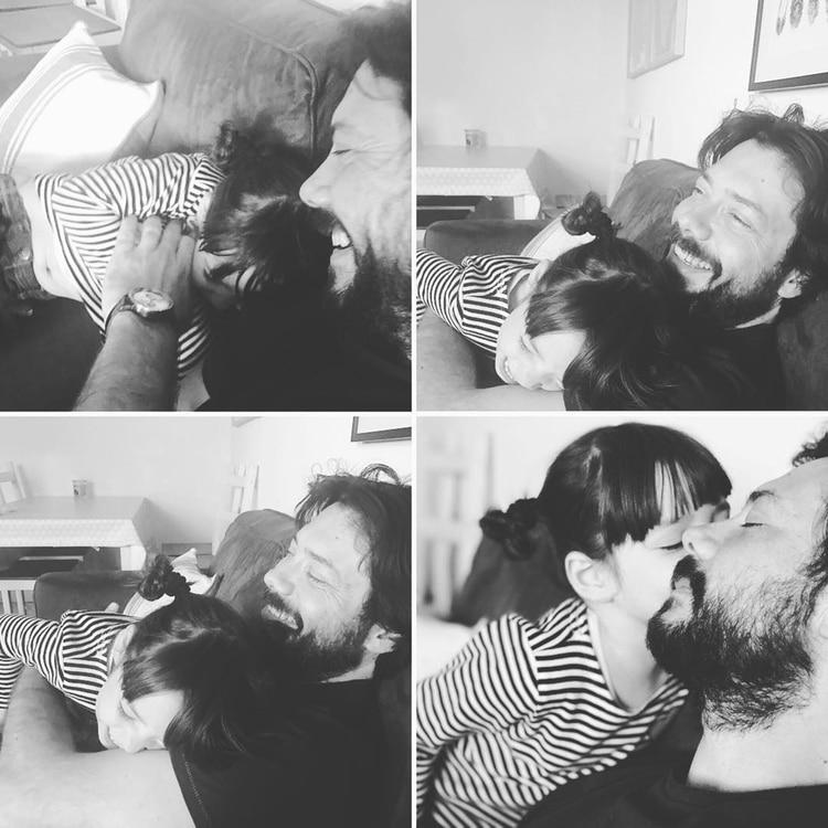 Con su hija, Julieta; Álvaro Morte suele postear en las redes sociales fotos de sus mellizos, pero procurando preservar su identidad(Instagram)