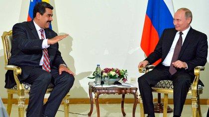 Nicolás Maduro y Vladimir Putin (AP)