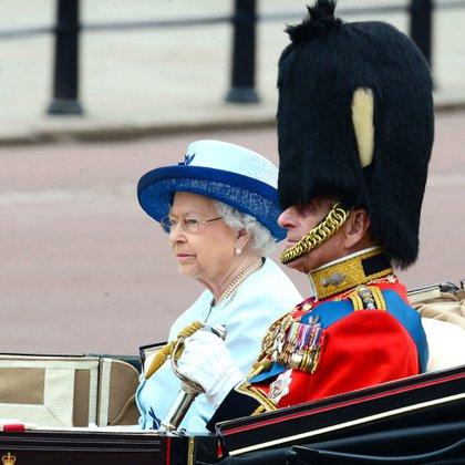 La reina Isabel II y el príncipe Felipe en el Trooping the Color, Londres, Gran Bretaña (14 de junio de 2014)