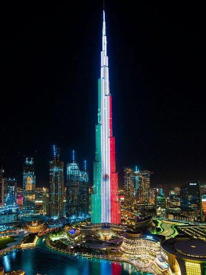 El Burj Khalifa se iluminó con los colores de México (Foto: Instagram@cdmx_oficial)
