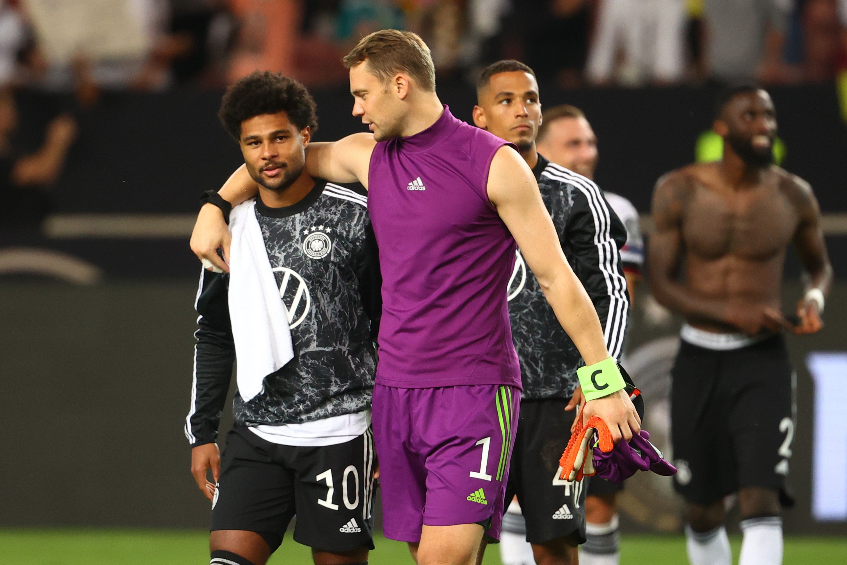 Manuel Neuer no estuvo en el avión que sufrió el aterrizaje forzoso (REUTERS/Kai Pfaffenbach)
