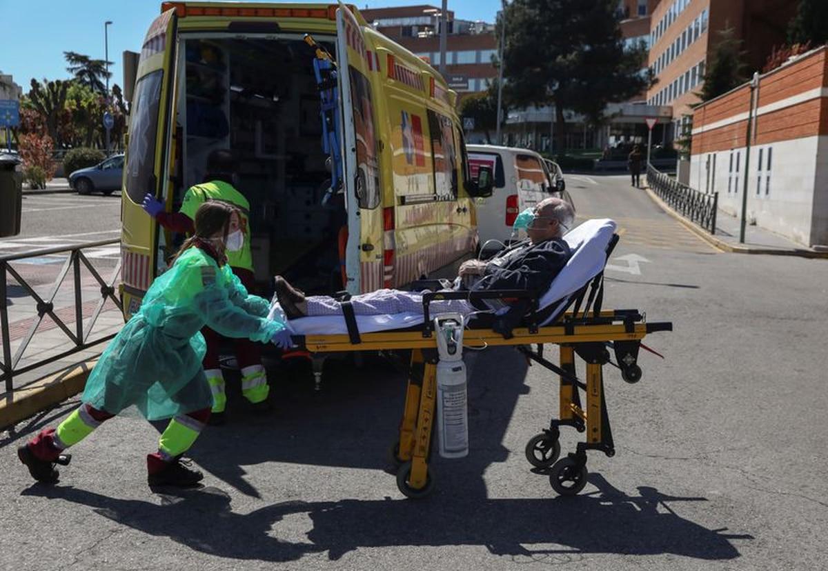 España registró 932 muertos por coronavirus en las últimas 24 horas y superó por primera vez a Italia en cantidad de contagios - Infobae