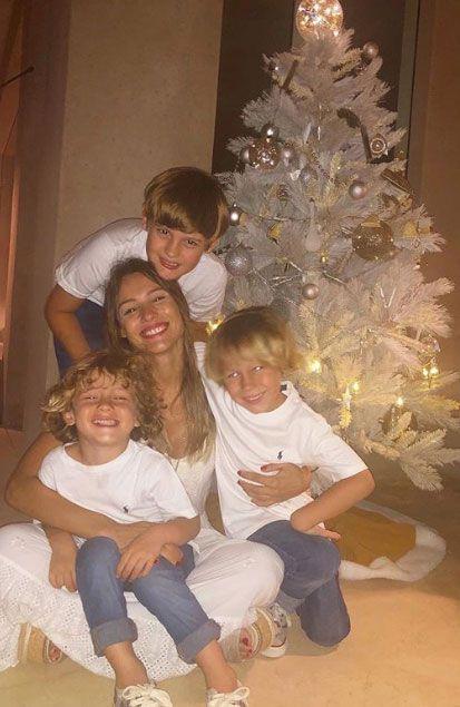 Carolina comparte la rutina de sus hijos Bautista, Benicio y Beltrán