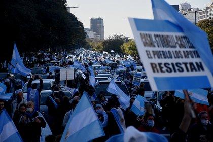 La marcha fue multitudinaria y se realizó en los centros urbanos más importantes del país (Nicolás Stulberg)