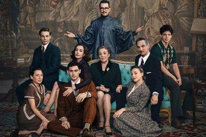 El director Manolo Caro regresa a la plataforma de streaming el próximo mes con el programa situado en España de 1950 (Foto: Cortesía de Netflix)