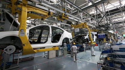El sector automotriz se mantiene como el de peor performance en uso de capacidad instalada