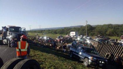 La vialidad fue bloqueada por más de tres horas (Foto: Cortesía el sol de Tampico)