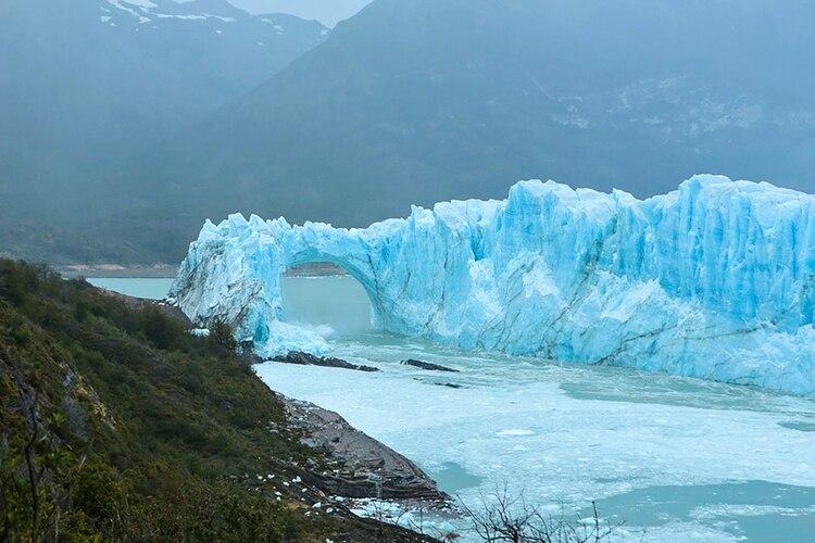 El Glaciar Perito Moreno, uno de los más imponentes de la Argentina (NA).