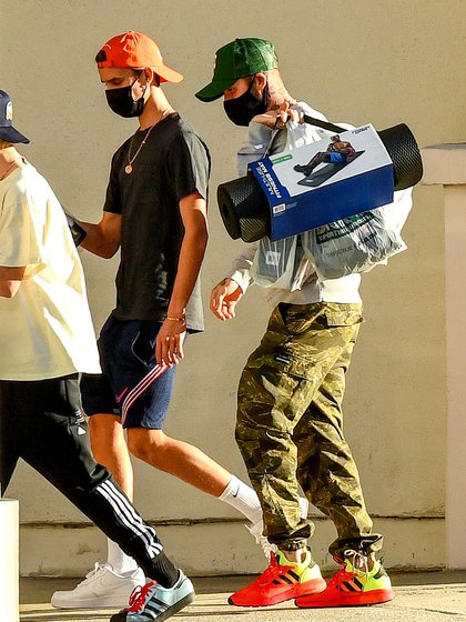 Family shopping.  David Beckham and his sons, Cruz and Romeo, visited Dick's Sporting Goods sports store where they purchased equipment for training.  The Beckham family arrived in Miami on a private jet as the former footballer does business with a Florida team.  In addition, they celebrated the arrival of 2021 at Nicola Peltz's mansion in Palm Beach
