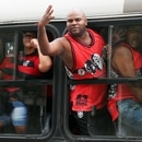 Soccer Football - Copa Libertadores - Flamengo Training - Ninho do Urubu, Rio de Janeiro, Brazil - November 20, 2019 Flamengo fans react in a bus near to the training center REUTERS/Sergio Moraes