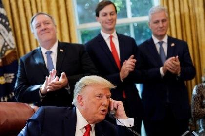 Trump durante una llamada con los jefes de estado de Israel y Sudán.  Foto: REUTERS / Carlos Barria