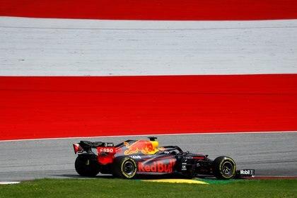 Alex Albon podría salir de Red Bull, pero Pérez no sería la primera opción (Foto: Reuters)
