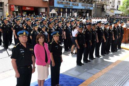 Con la nueva norma, los policías podrán dispararles a las personas que huyen o ponen en riesgo a la ciudadanía (Maxi Luna)