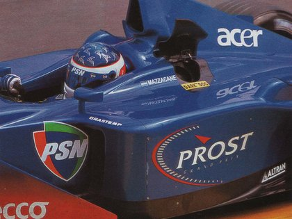 Gastón Mazzacane sobre el Prost-Acer en 2001. En 2000 corrió con Minardi (Archivo CORSA).
