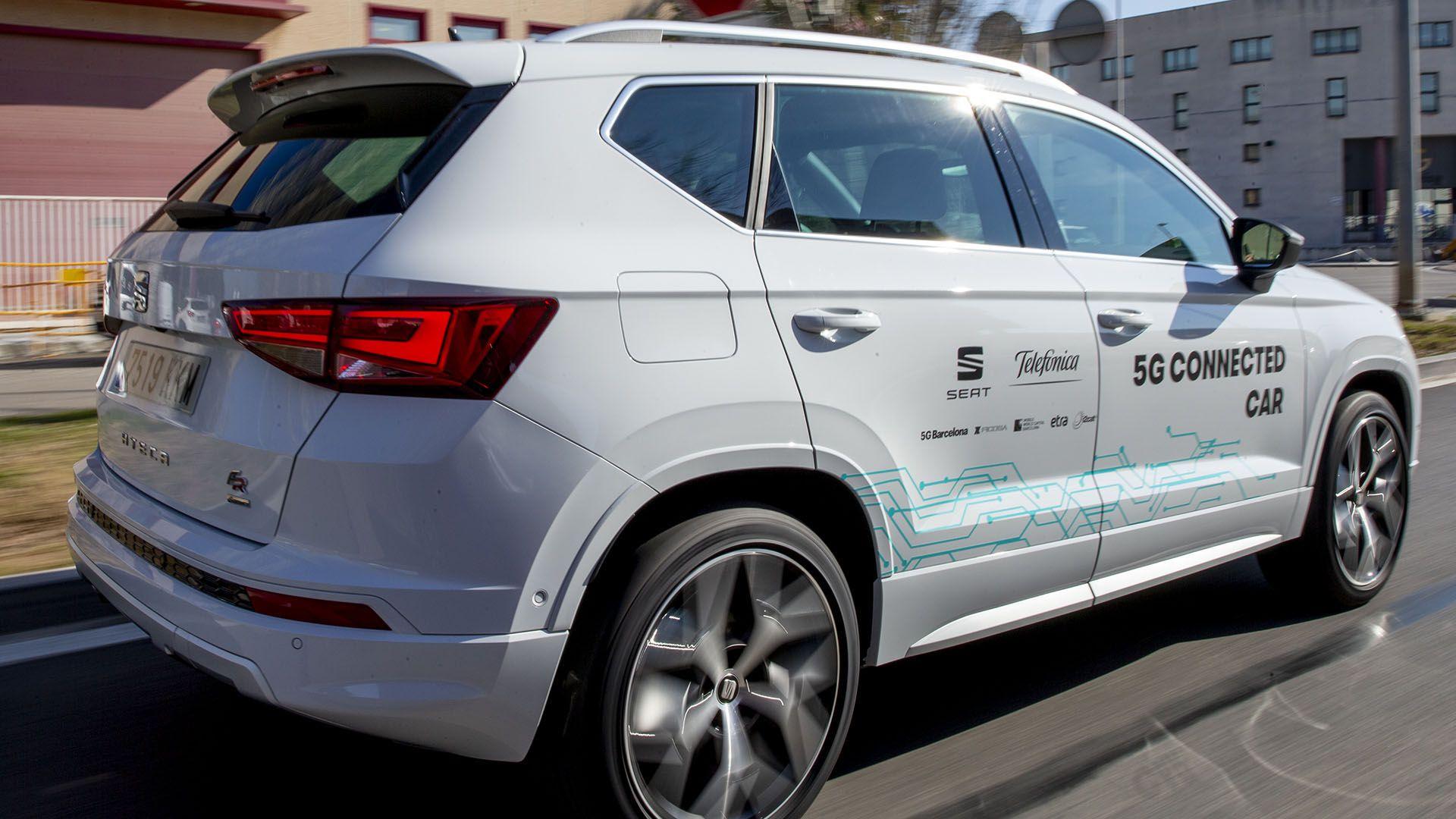 Un vehículo Seat conectado con tecnología 5G provista por Telefónica que se usó en pruebas realizadas en la feria MWC en Barcelona, en 2019