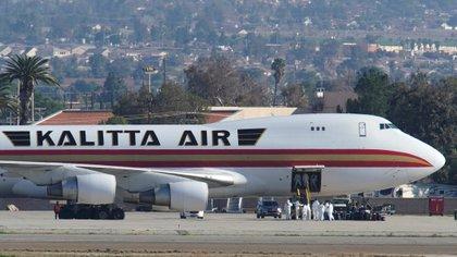 Un avión charter evacúa personal del gobierno de EEUU en China por el brote de coronavirus el 29 de enero último.   REUTERS/Mike Blake - RC2TPE9TGQ45