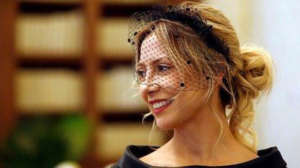 Yáñez optó por un peinado recogido con mechones de pelo al costado y en cuanto al maquillaje resaltó los labios con un rosado y los ojos al natural (Reuters)